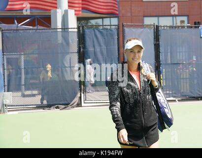 New York, USA. 24th Aug, 2017. Players practice before the US Open 2017 in New York on August 24, 2017 On the picture: Caroline Wozniacki Credit: East News sp. z o.o./Alamy Live News