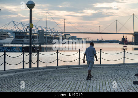 Silvertown, Newham, London, UK. 27th August 2017. UK Weather: Bright Bank holiday sunrise over London Docklands. - Stock Photo