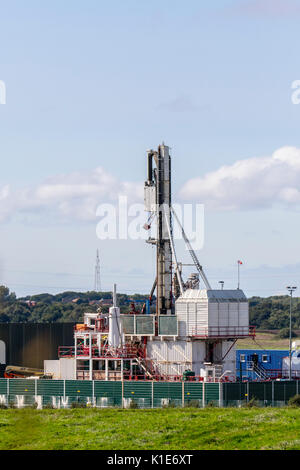 Plumpton, UK. 26th August, 2017. Caudrilla Drilling fracking rig & modular carousel nearing completion at the Shale - Stock Photo
