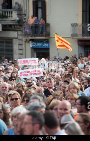 Ripoll, Spain. 26th Aug, 2017. Peace demonstration in Ripoll against terrorism after the attacks in Barcelona and - Stock Photo