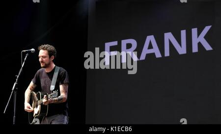 Clarence Esplanade, Southsea, Hampshire, UK August 26, 2017. Victorious Festival Day 2 -  Frank Turner performing - Stock Photo