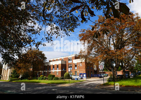 Metropolitan Police, Woodford police station in the High Road - Stock Photo