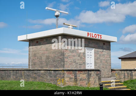 The pilots station above the sea defences at Burnham on Sea - Stock Photo