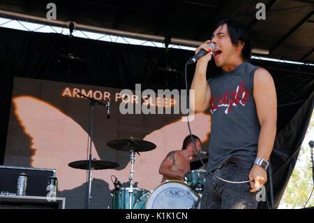 Ben 'Slork' Jorgensen Armor For Sleep performing 2008 Projekt Revolution Tour Verizon Wireless Amphitheater Irvine. - Stock Photo