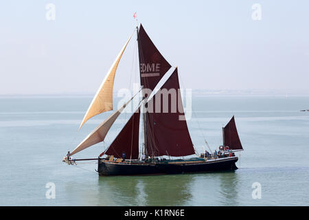 Southend-on-Sea, UK. 27th Aug, 2017. The 54th Annual Southend Pier Barge match. The barges sail round a course in - Stock Photo