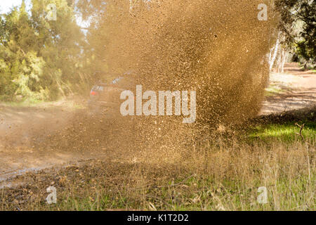 Avoca, Australia. 27th Aug, 2017. MELBOURNE, AUSTRALIA – AUGUST 27: Some of the action during the 2017 Victorian - Stock Photo