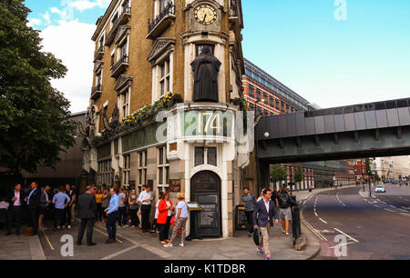 Traditional pub - The Black Friar - and small front of house, at Blackfriars bridge in London, England - Stock Photo