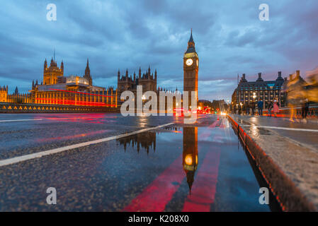 Westminster Bridge, Palace of Westminster, Houses of Parliament with reflection, Big Ben, City of Westminster, London, England