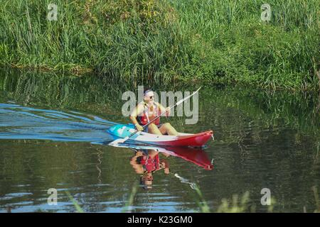 London, UK. 28th Aug, 2017. Canoeing at the East London Waterways Festival gets under way on the 28th August 2017, - Stock Photo