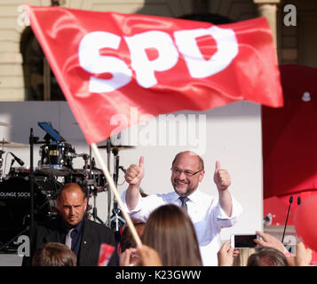 Magdeburg, Germany. 28th Aug, 2017. Germany's Social Democratic Party's (SPD) top candidate Martin Schulz shows - Stock Photo