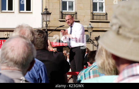Magdeburg, Germany. 28th Aug, 2017. Germany's Social Democratic Party's (SPD) top candidate Martin Schulz speaks - Stock Photo