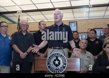 Corpus Christi, USA. 28th Aug, 2017. Corpus Christi, Texas August 28, 2017: Sen. John Cornyn of Texas speaks to - Stock Photo