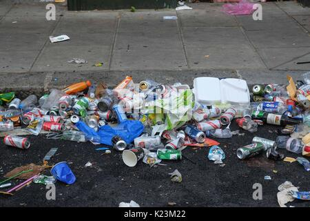 London, UK. 29th Aug, 2017. Tuesday morning in North Kensington and the final stage of cleaning up after the Carnival - Stock Photo
