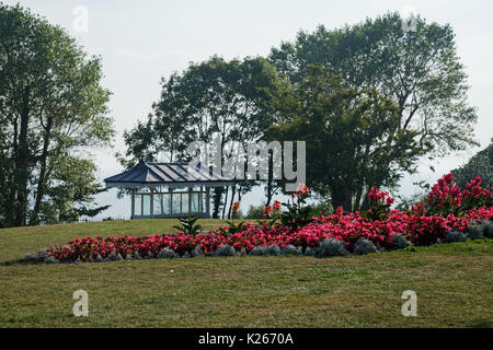 27th August 2017, Flower beds and a shelter at Southend On Sea, Essex, England. - Stock Photo
