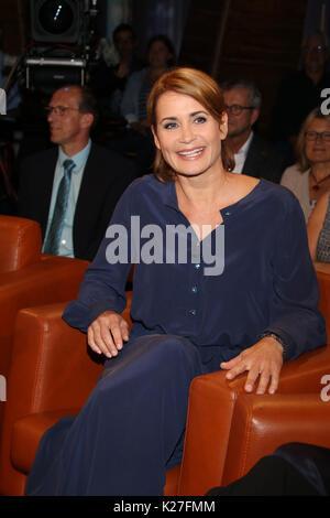 Broadcasting NDR Talkshow in Hamburg  Featuring: Anja Kling (Schauspielerin), (VEROEFFNTLICHUNG ERST NACH AUSSTRAHLUNG - Stock Photo