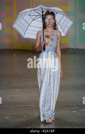 Sao Paulo, Brazil. 29th Aug, 2017.  A model walks at Patbo runway at SPFW N44 Winter 2018 on August 29, 2017 in - Stock Photo