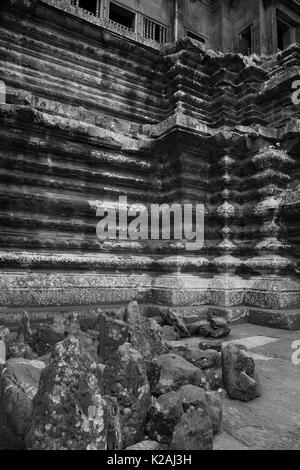 Angkor wat wonders of the world stone castle siem reap Cambodia - Stock Photo