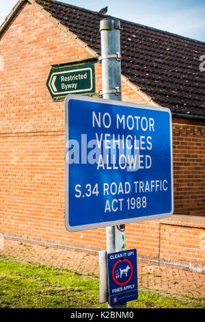 A Restricted Byway notice board in a village. No motor vehicles allowed. Section 34 of the Road Traffic Act 1988. - Stock Photo