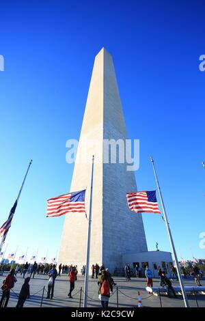 Washington monument in washington - Stock Photo