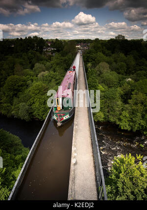 The Pontcysyllte Aqueduct carries the Llangollen Canal over the River Dee and its valley, near Wrexham, Wales, UK, - Stock Photo