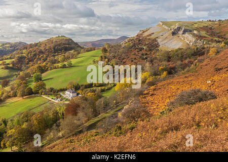 Looking west from the Panorama walk on the Offa's Dyke path on Ruabon Mountain near LLangollen with Castell Dinas - Stock Photo