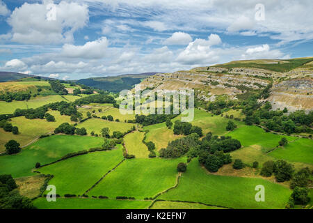 View looking north from Castell Dinas Bran towards the limestone layers of the Eglwyseg escarpment on the west side - Stock Photo