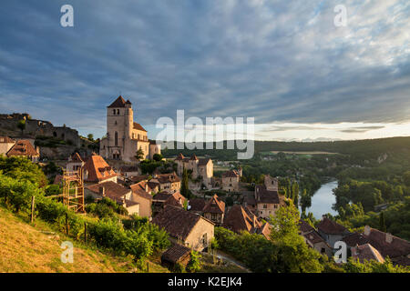 St Cirque Lapopie at dawn, Lot Valley, Quercy, France, July 2015. - Stock Photo