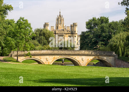 CAMBRIDGE, UK:  View of St John's College and Trinity Bridge viewed from The backs - Stock Photo