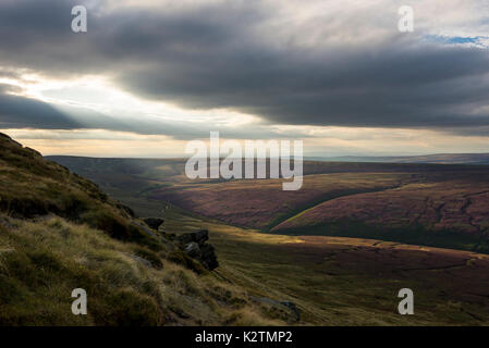 Beautiful summer evening on the northern edge of Kinder Scout in the Peak District, Derbyshire, England. - Stock Photo