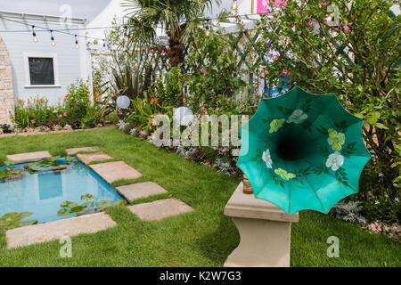 Great Gardens of the USA - the Beaches of Fort Myers & Sanibel. RHS Hampton Court 2017.  Designer: Sadie May Studios - Stock Photo