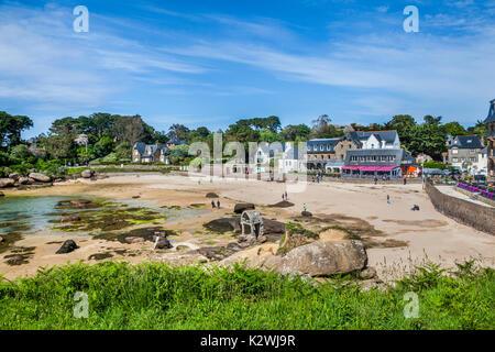 France, Brittany, Cotes d'Armor department, Cote de Granit Rose (Pink granite coast), Perros-Guirec, view of Saint - Stock Photo