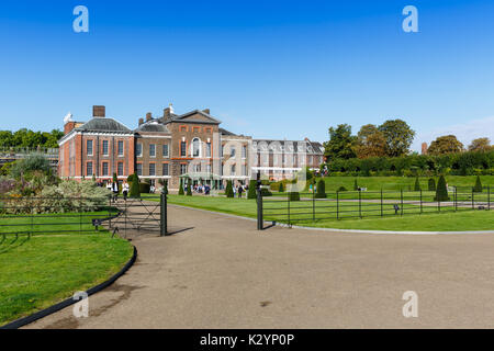 Kensington palace, London, England - Stock Photo