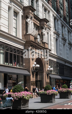 Beaux-Arts Statues, Main Entrance, Macy's Department Store , 151 W. 34th Street, NYC - Stock Photo