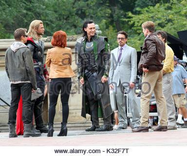 Robert Downey Jr Chris Hemsworth Scarlett Johansson Evans Tom Hiddleston