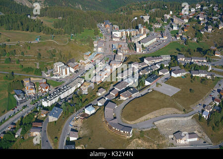 ALPINE RESORT OF VALBERG IN THE SUMMER (aerial view). French Riviera's hinterland, France. - Stock Photo