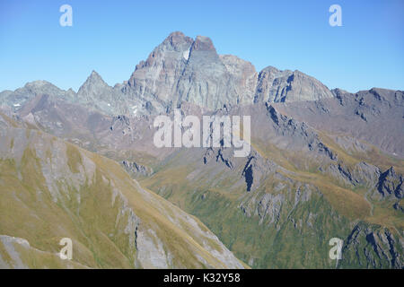 ELEVATED VIEW FROM THE WEST OF MONVISO (3841m amsl). Pontechianale, Province of Cuneo, Piedmont, Italy. - Stock Photo