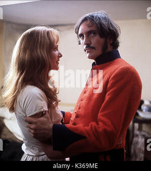 FAR FROM THE MADDING CROWD  PRUNELLA RANSOME. TERENCE STAMP     Date: 1968 - Stock Photo