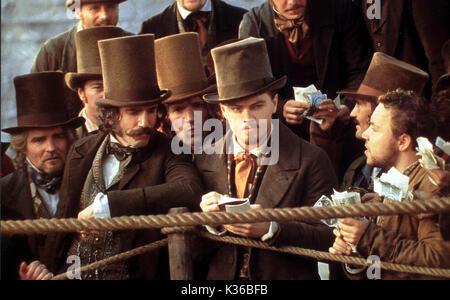 GANGS OF NEW YORK DANIEL DAY LEWIS AND LEONARDO DI CAPRIO     Date: 2002 - Stock Photo