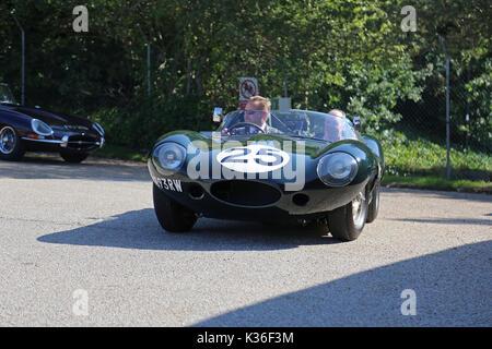 Five historic D-Type Jaguars visit Brooklands circuit, Weybridge, Surrey, England, UK. 1st September 2017. D-Type - Stock Photo
