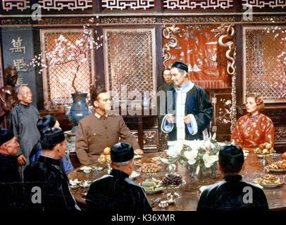 THE INN OF SIXTH HAPPINESS CURT JURGENS, ROBERT DONAT AND INGRID BERGMAN A 20TH CENTURY FOX FILM     Date: 1958 - Stock Photo