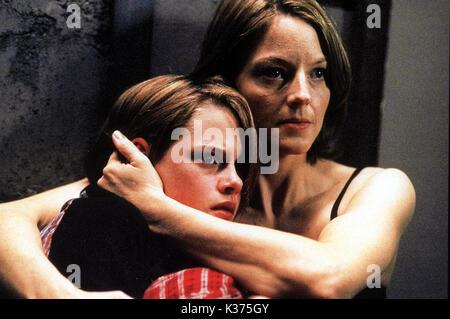 PANIC ROOM Kirsten Stewart and Jodie Foster     Date: 2002 - Stock Photo
