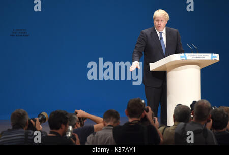 Photo Must Be Credited ©Alpha Press 079965 02/10/2016 Boris Johnson Conservative Party Conference 2016 At The Birmingham - Stock Photo
