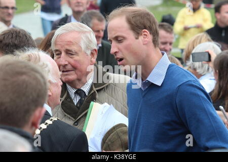 Duke & Duchess of Cambridge at breakwater country park for the start of the ring o fire coastal ultra marathon Anglesey - Stock Photo