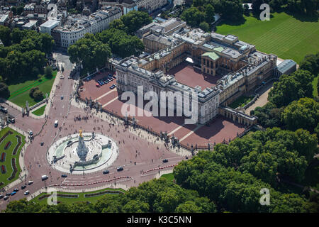 Aerial of Buckingham Palace - Taken on the 20th anniversary of Princess Diana's death - 31st August 2017 from helicopter - Stock Photo