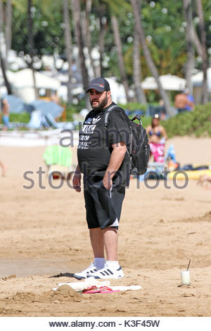 Kevin James. Kevin James U0027King Of Queensu0027 Was Spotted On The Beach In