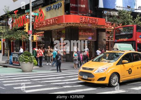 Juniors Restaurant Times Square New York City Usa Stock