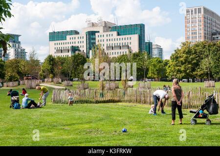 Vauxhall Pleasure gardens, London, UK Stock Photo: 143991471 - Alamy