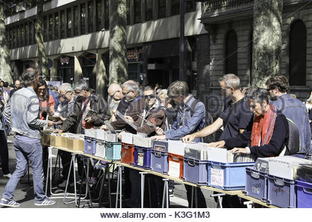 Lille france 2nd sep 2017 people visit the braderie de lille flea stock photo 157089852 alamy - Braderie de lille 2017 date ...