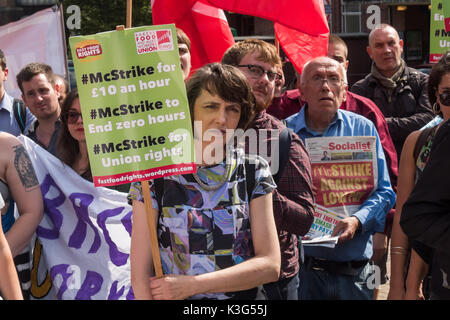 London, UK. 2nd September 2017. Supporters at the rally by McDonald's workers who are holding the first UK strike - Stock Photo