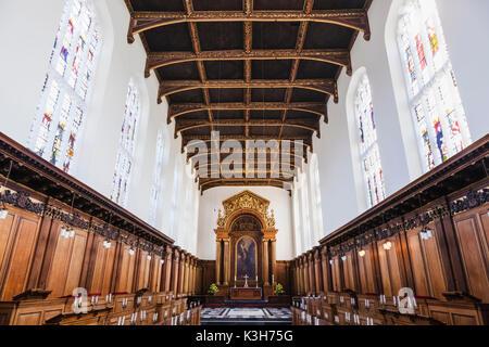 England, Cambridgeshire, Cambridge, Trinity College, The Chapel - Stock Photo